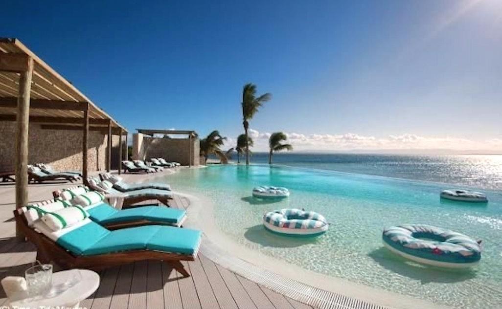 Giường Tắm Nắng bãi biển cho resort cao cấp